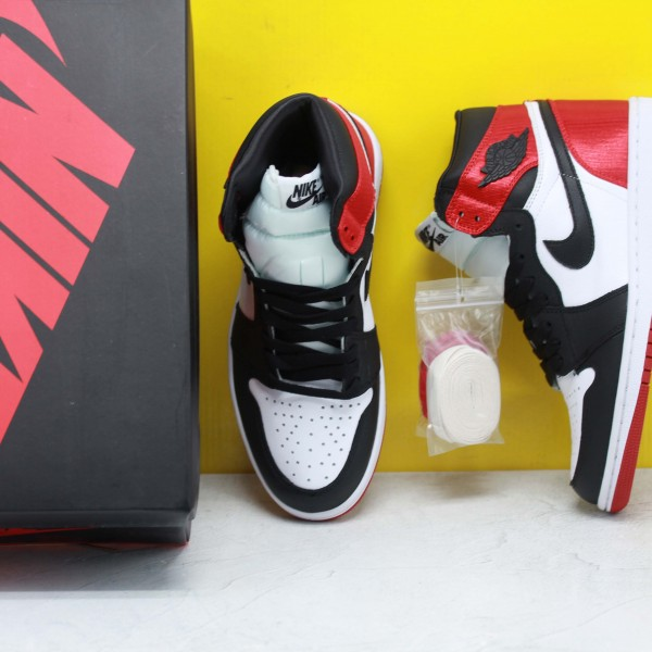 "Nike Air Jordan 1 Retro High OG ""Satin Black Toe"" Basketball Shoes CD0461 016 Unisex White/Red/Black AJ1 Sneakers"